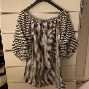 Gingham off the shoulder blouse w ruffle sleeve